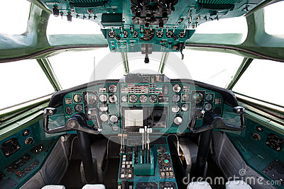 Civil airplane cockpit