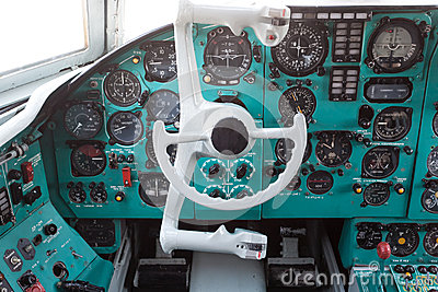 Civil airplane cockpit