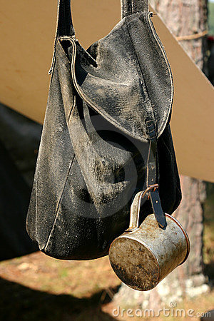 Free Civil War Knapsack And Cup Royalty Free Stock Photography - 1802827