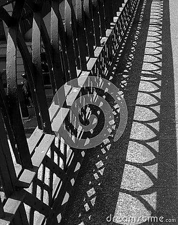 Clôture des ombres