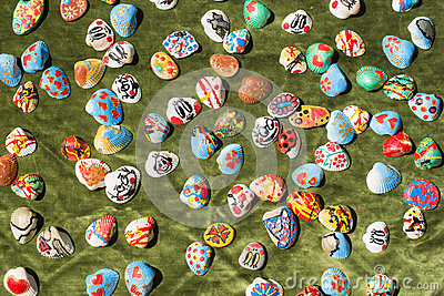 Clam shells souvenirs. Painted figures