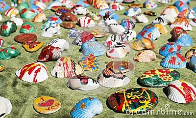 Clam shells souvenirs. Painted figures