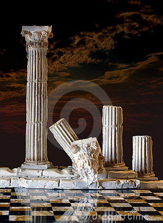 Free Classic Columns Royalty Free Stock Images - 5827799