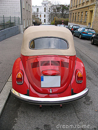 Free Classic Red Volkswagen Beetle Royalty Free Stock Image - 48896