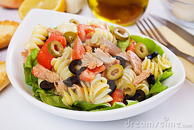 Classic tuna salad with pasta