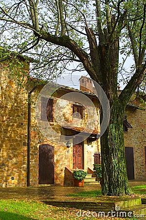 Classic Tuscan Farmhouse