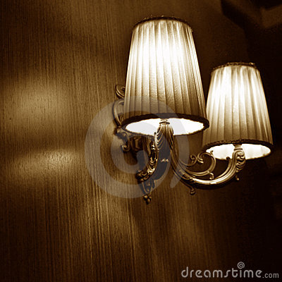 Free Classic Vintage Wall Lamps Royalty Free Stock Photos - 14231648