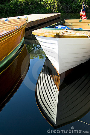 Free Classic Wood Boats Docked Stock Photography - 2707142