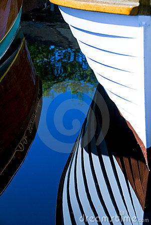 Free Classic Wood Boats Docked Royalty Free Stock Images - 2707149