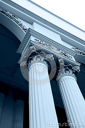 Classical pillar