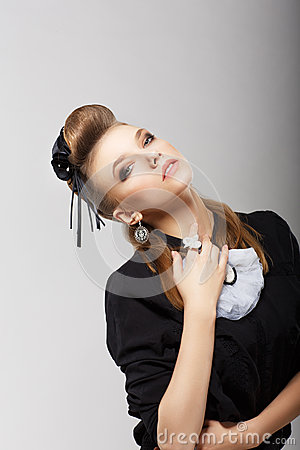 Free Classy Elegant Woman In Trendy Costume. Vogue Royalty Free Stock Photos - 31078288