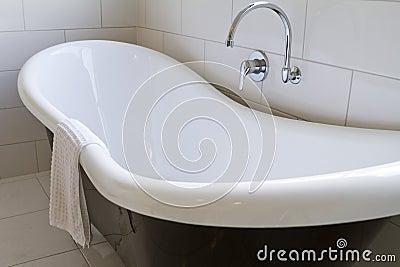 Claw foot bath