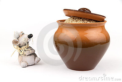 Clay mouse and pot with rice