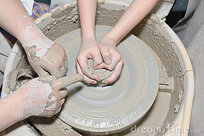 Clay utensil
