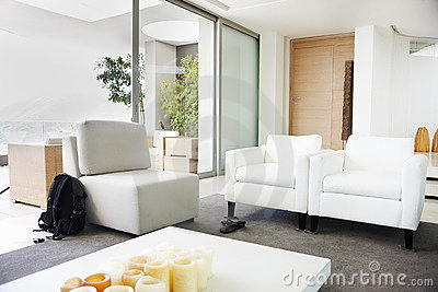 arm chair living room on Clean Spacious Living Room With Arm Chairs  Click Image To Zoom