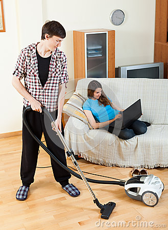 Clean up man, while wife lying with notebook