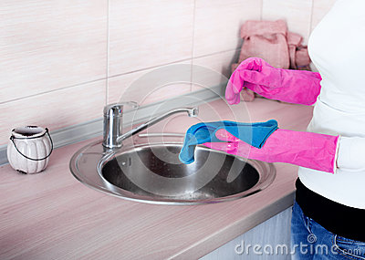 how to clean kitchen sink faucet