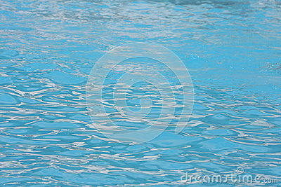 Clear pool water