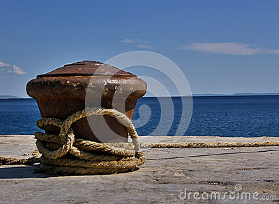 Cleat and rope at sea