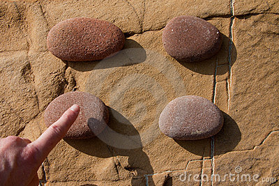 Click on a stone 02