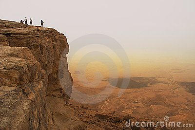 Cliff over the Ramon crater.