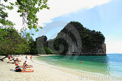 Cliffs with trees at Hong island, Thailand Editorial Stock Image