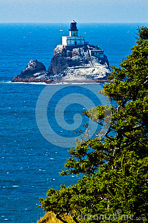 Free Cliffside View Of Tillimook Lighthouse, Oregon Stock Photo - 66907380