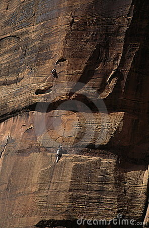 Free Climbers On Sandstone Wall Royalty Free Stock Photography - 1991937