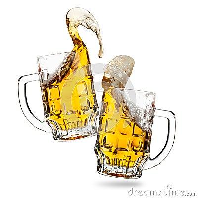 Clink glasses of beers