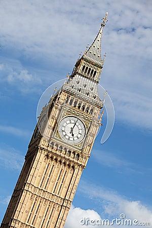 Clock Big Ben (Elizabeth tower) at 5 o'clock