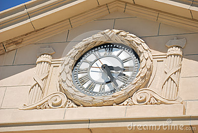Clock on Charlton County Courthouse