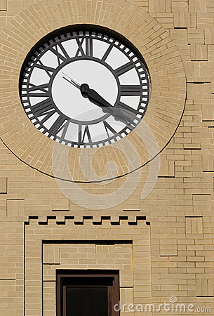 Clock with Freestyle Masonry Surround
