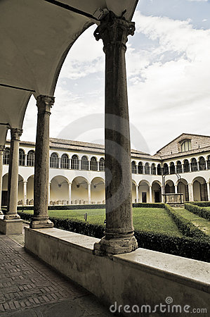 Free Cloister Of St. Domenico Church. Perugia. Umbria. Royalty Free Stock Images - 15926989