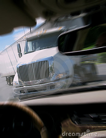 Free Close Call Car Crash With Tractor Trailer Truck Royalty Free Stock Photos - 5272338