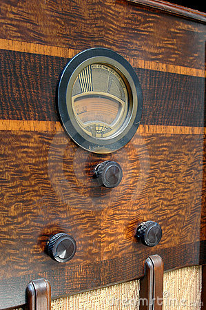 Close uo of vintage radio