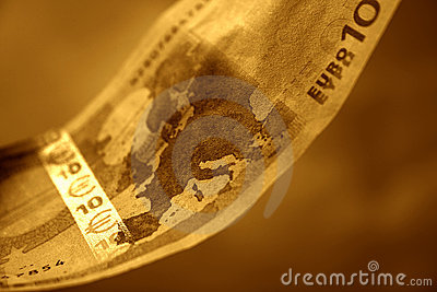 The close-up of 10 Euros, II