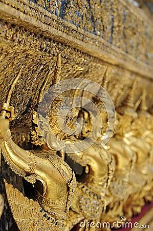 Close-up de protetores do templo