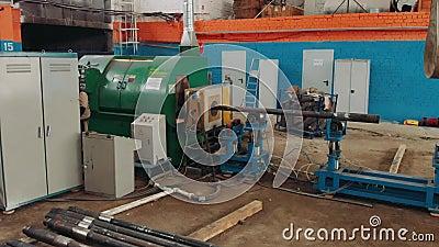 Close-up de solda do processo de Hardbanding processo de manufatura da tubulação de broca Empresa para a fabricação de óleo de fu filme