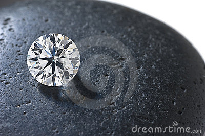 Close up of a diamond on the stone