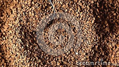 Close-up do café à terra, colher vídeos de arquivo