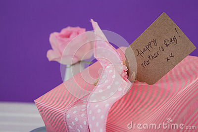 Close-up of happy mothers day card with gift box Stock Photo