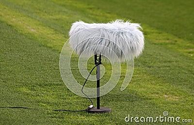 Close-up microphone boom