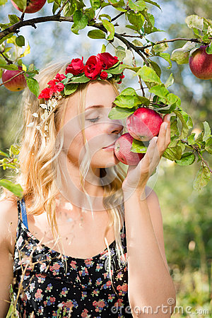 Free Close Up On Pretty Young Apple Fairy With Three Fruits Royalty Free Stock Photo - 64213585