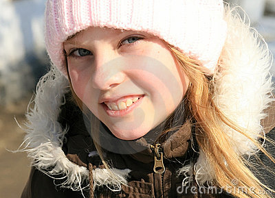 Close-up outdoor portrait  beauty young