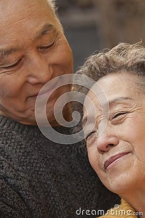 Free Close Up Portrait Of Romantic Senior Couple Royalty Free Stock Photos - 33371778