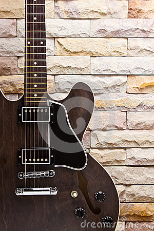 Close up semi hollow guitar