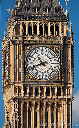 Close up shot of the Big Ben in London
