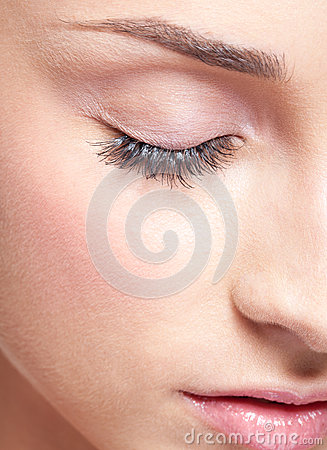 Closed eye with eye shadows