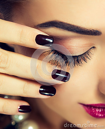 Free Closed Eye With Long Eyelashes. Stock Images - 63340154