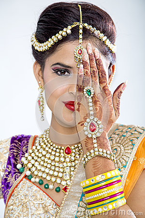 Free Closeup Of Beautiful Indian Bride Royalty Free Stock Images - 60203349